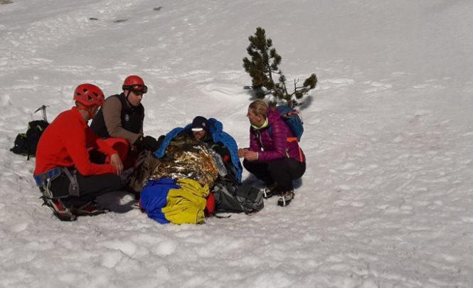 Zbog komplikovanih procedura helikopteri se čekali satima: Evakuisan mladi planinar sa Prenja