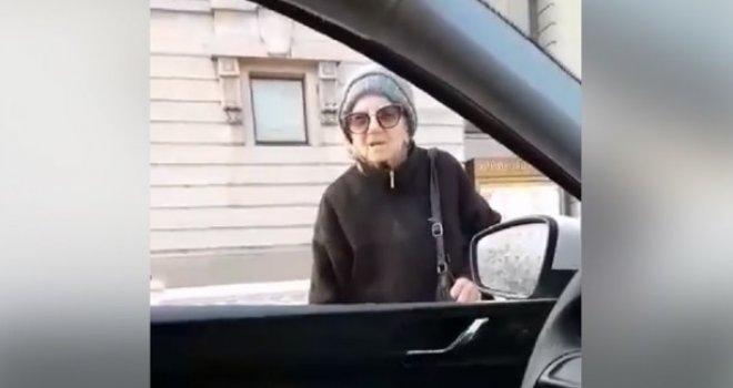 Staricu zaustavila policija usred bijela dana, a njeno objašnjenje oduševilo je sve