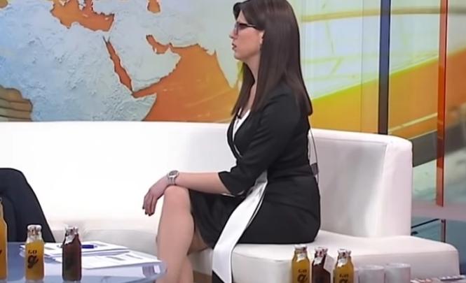 Voditeljica N1 televizije šokirala sve gledaoce: Prekrstila noge pa 'sijevnulo' nešto što nije trebalo