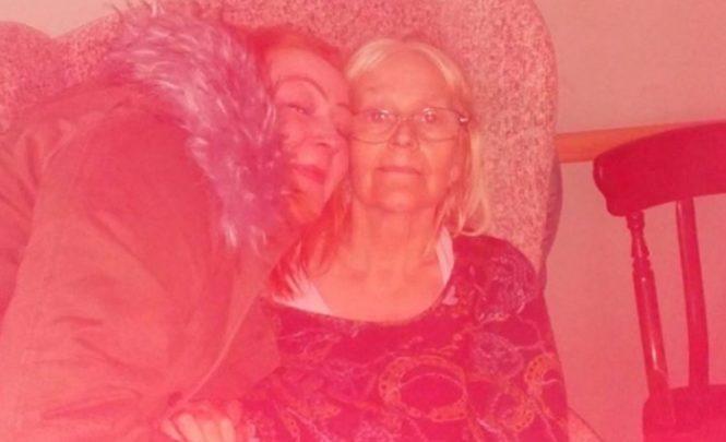 Majka preminula od koronavirusa, kćerka (32) na njenoj sahrani od srčanog udara