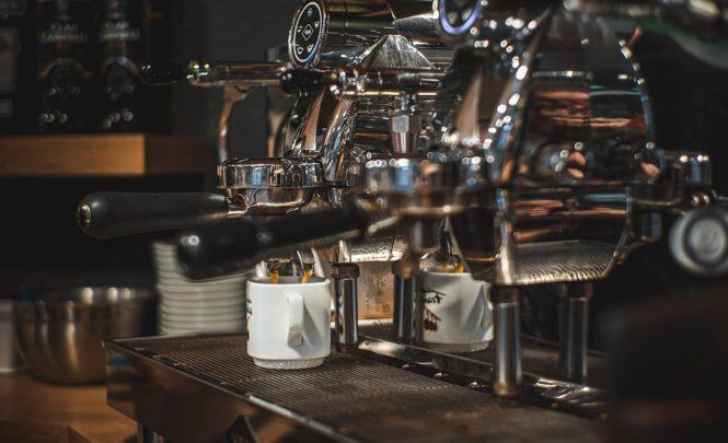 """Morali zabraniti rad aparata za pripremu kafe: """"Okupljali su se na benzinskim pumpama"""""""