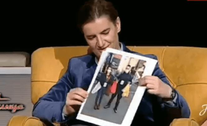 Brnabić: Donijela sam jednu fotografiju, ovo ne zna predsjednik, šef, ubiće me vjerovatno…